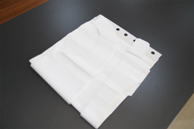 Plastic Polythene Disposable Aprons On A Roll Waterproof Dust Proof OEM Service