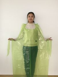 China Round Neck PE Apron Flat Packed Waterproof Embossed Surface For Protection factory