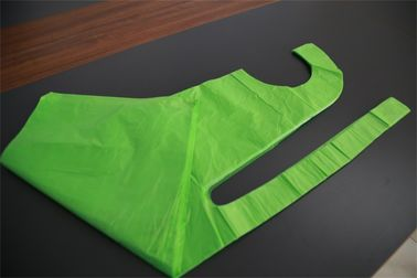 China Flat Packed Disposable Polythene Aprons Biodegradable Free Sample Offered factory